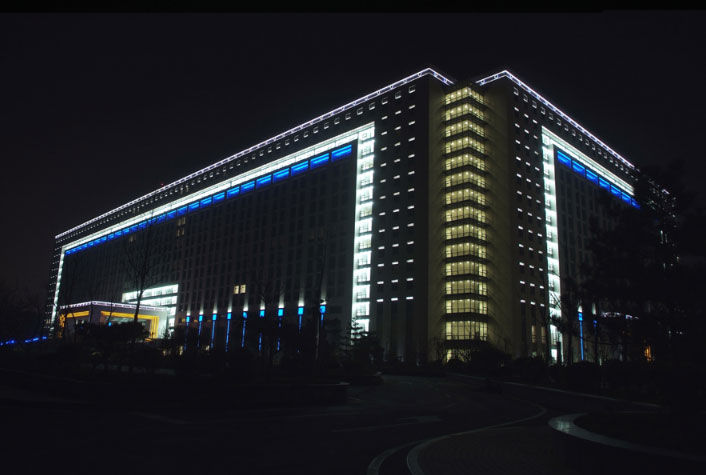 龙奥大厦亮化——户外照明工程